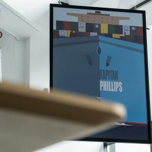 Plakat filmu Kapitan Phillips zawieszony w foyer CKIS-DK Oskard.