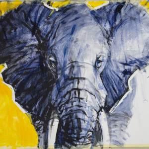 Granatowy słoń na żółtym zapełnionych w trzech czwartych tle.