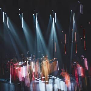 Zdjęcie z efektem malowania światłem. Kinga Głyk Quartet na scenie Oskardu.