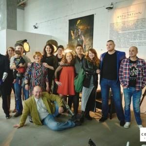 Uczestnicy projektu Amputation pozują do wspólnego zdjęcia.