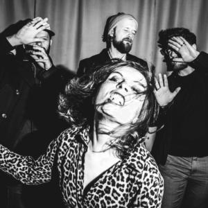 Na zdjęciu członkowie zespołu Izzy and the Black Trees