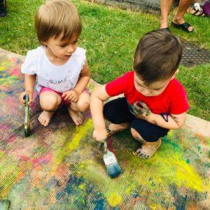 Dzieci na zajęciach sensorycznych