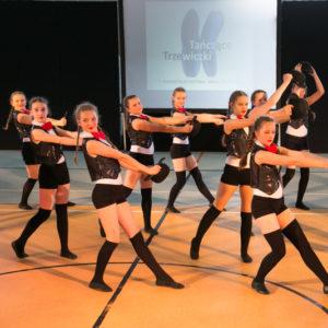 Uczestnicy festiwalu Tańczące Trzewiczki